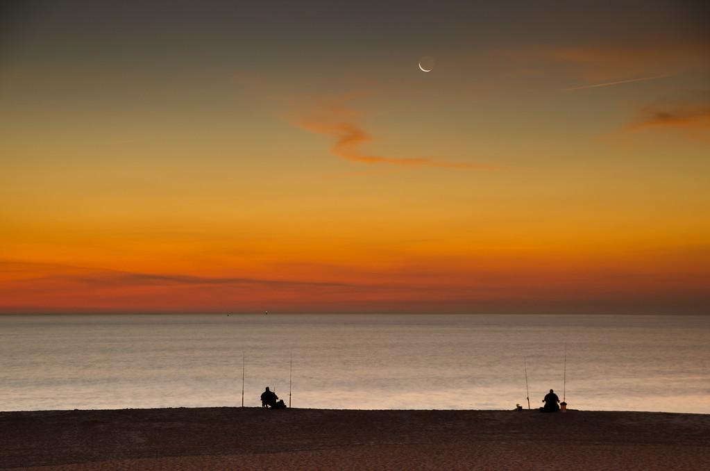 2013 10-3 Monmouth Beach Crescent Fishermen - Fog Stavola-103