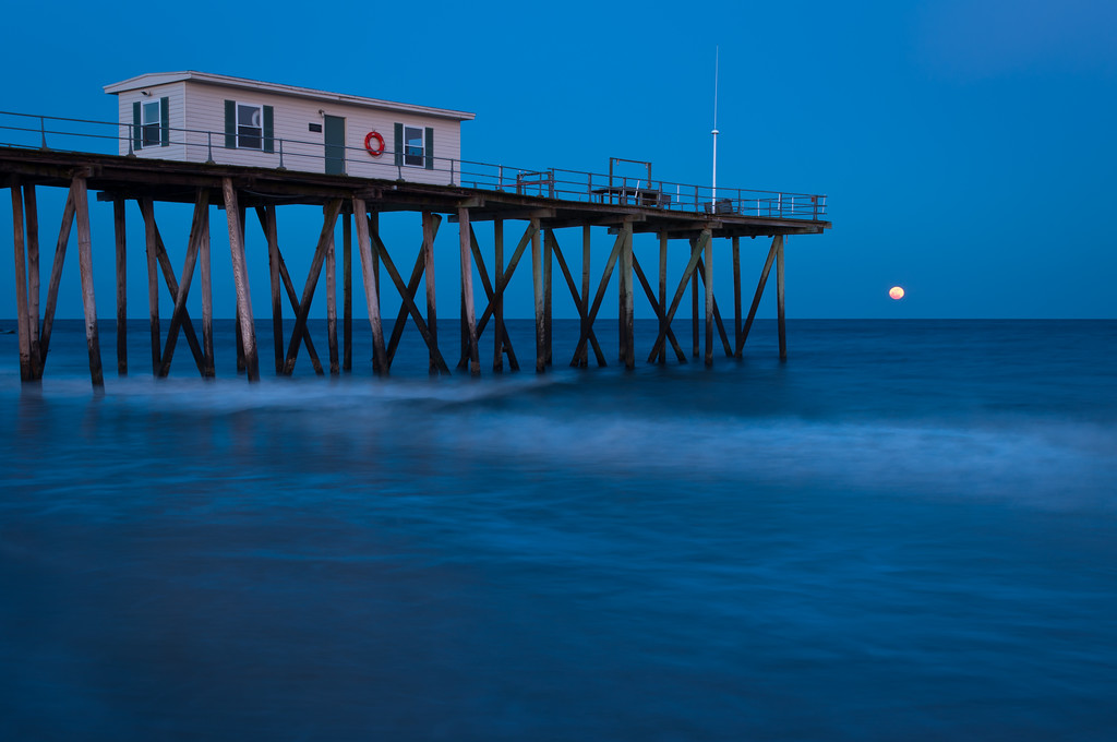 2012 2-7 Belmar Fishing Pier Dusk Rising Full Moon-69