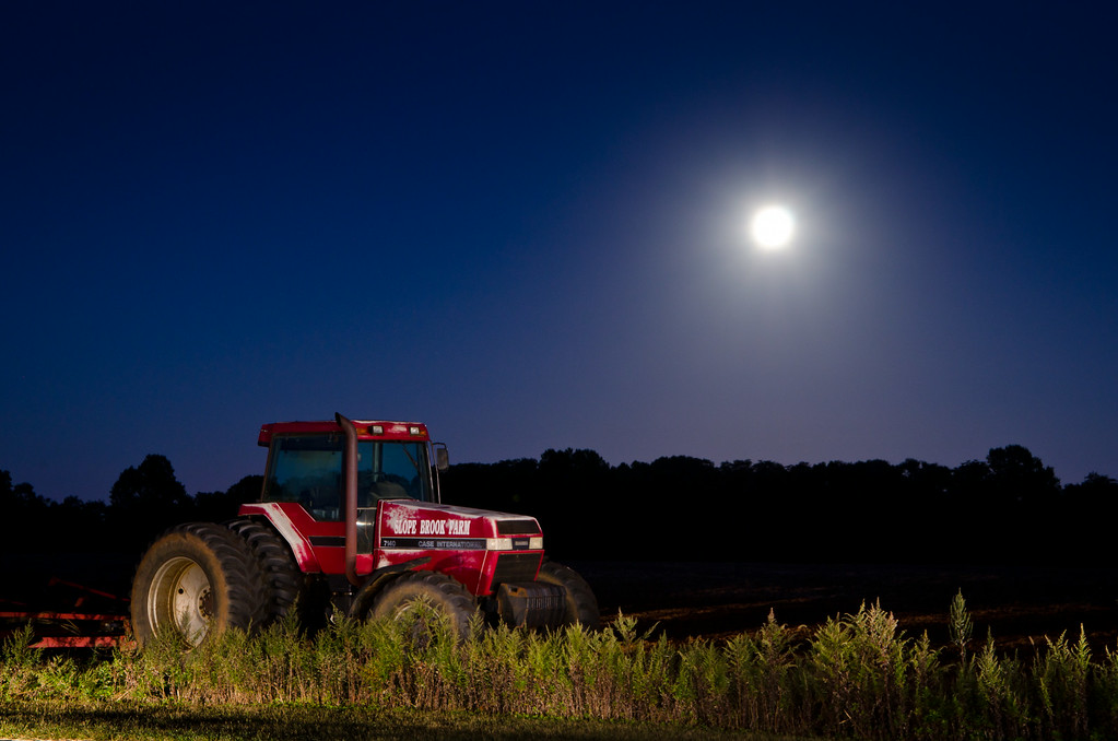 2013 9-19 Harvest Moon - Soybean - Light Painted Tractor-59