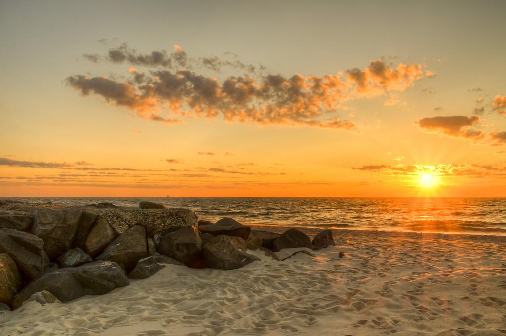 2014 7-25 Anchorage Beach Sunrise - Madison Friends-151_2_3